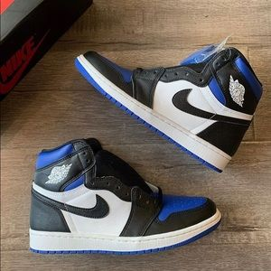 Jordan retro 1 royal toe
